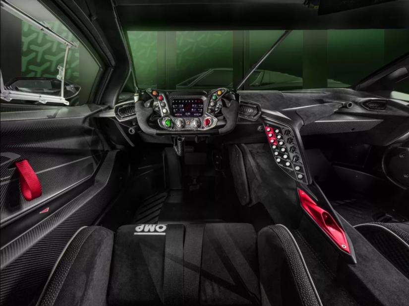 Lamborghini lança carro com 830 cv de potência