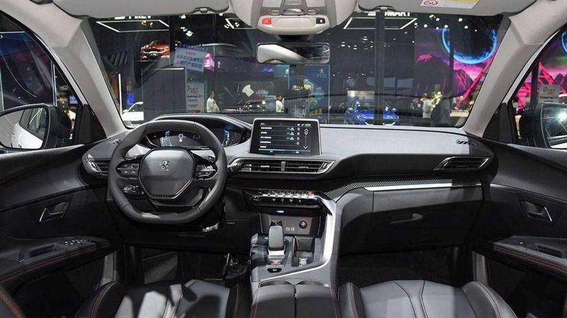 Peugeot 4008 híbrido de 302 cv chega ao mercado