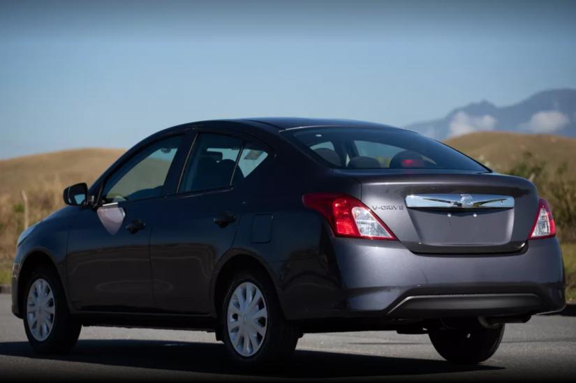 Nissan começa a vender novo Versa V-Drive 1.0 em loja online