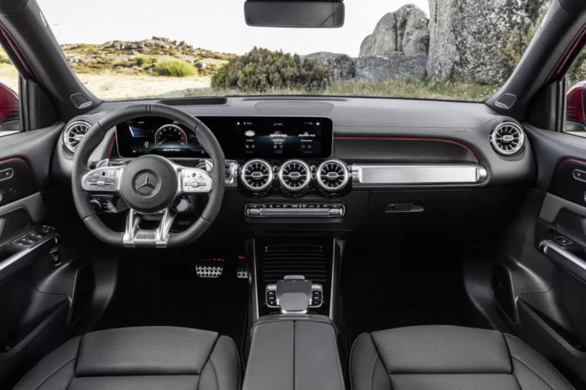 Mercedes-Benz lança novo GLB no Brasil com preço de R$ 300 mil