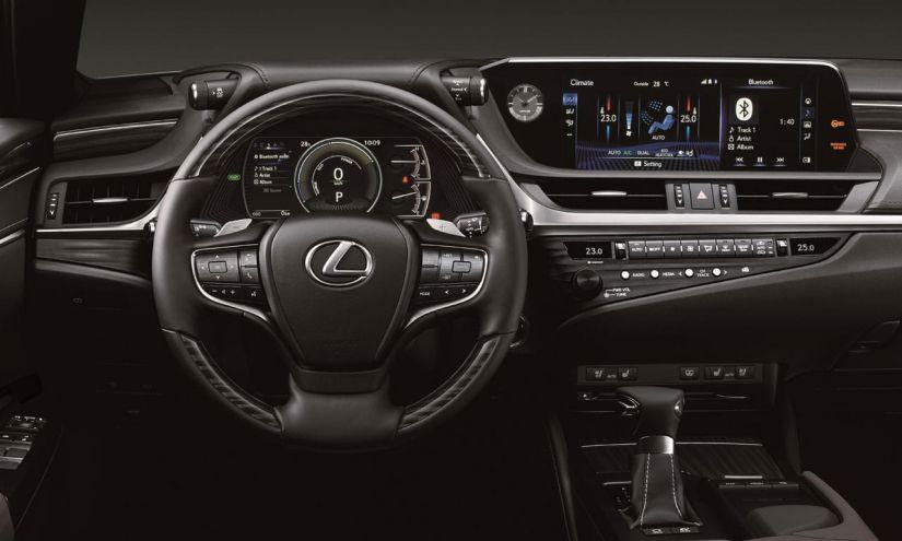 Lexus ES 300h 2021 ganha novos equipamentos em sua versão única