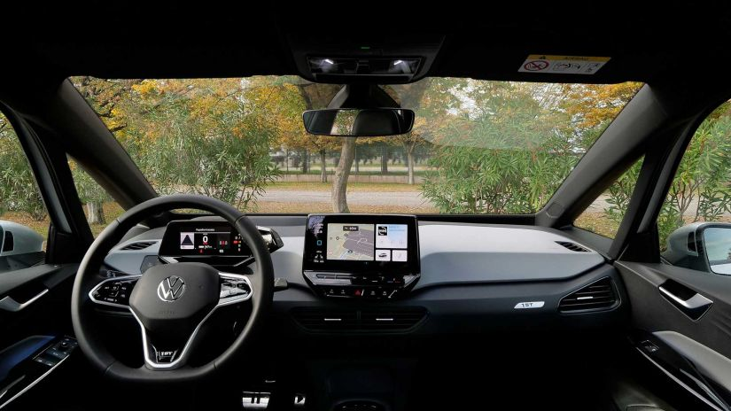 Volkswagen ID.3 ganha versão básica custando 24 mil euros