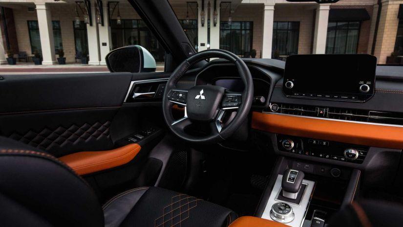 Mitsubishi Outlander 2022 chega com visual ousado e 7 lugares