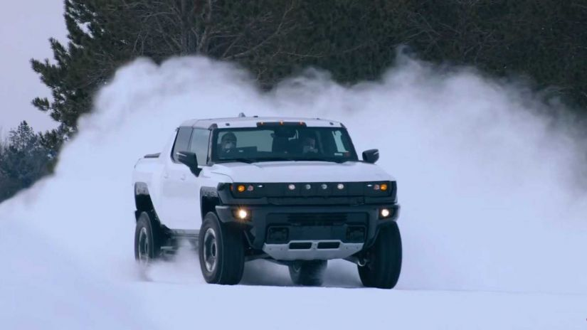 GMC lança vídeo com picape elétrica Hummer EV enfrentando a neve
