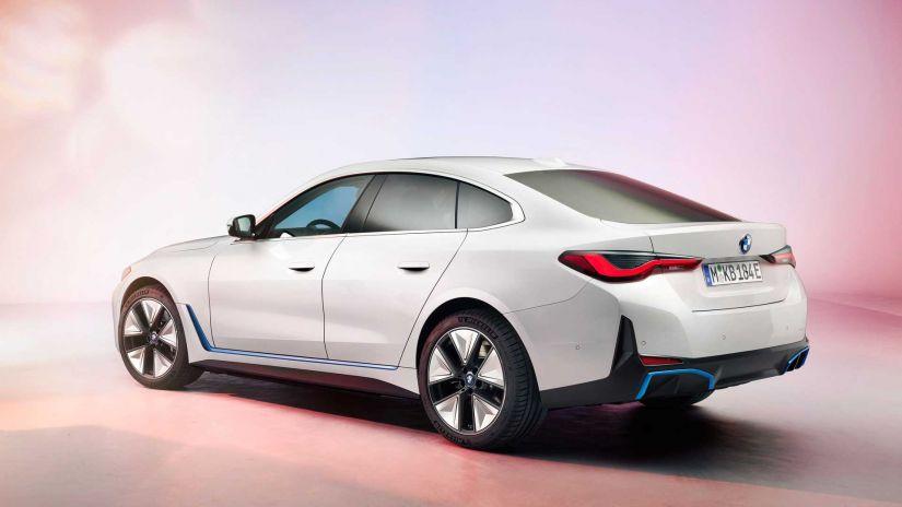 BMW apresenta sedan elétrico i4 com até 590 km de autonomia