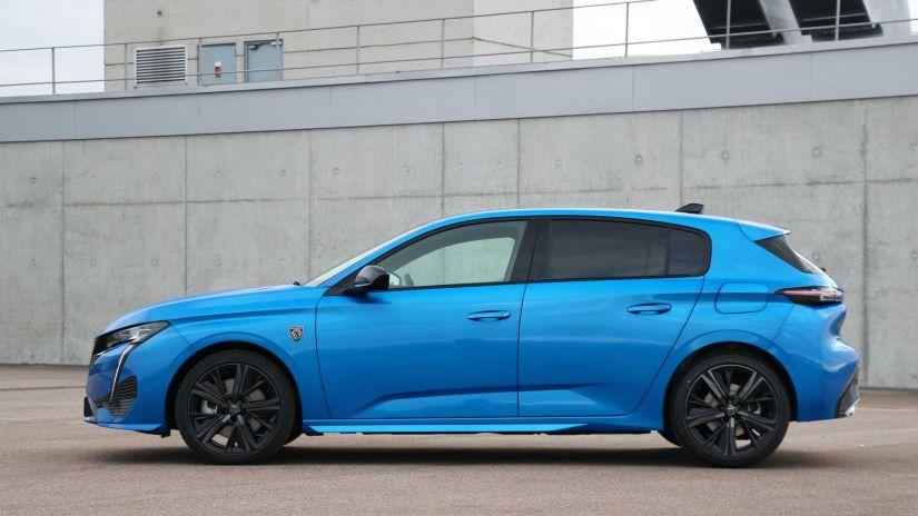 Novo Peugeot 308 chega com mudanças no visual e novo logotipo