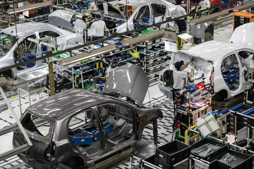 Renault e Toyota também anunciam suspensão da produção no Brasil