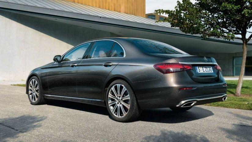 Mercedes-Benz lança novo Classe E por preços que partem de R$ 555.900.