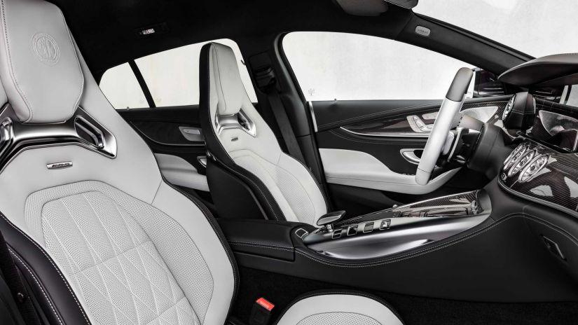 Mercedes-AMG GT Coupé 2022 terá atualização na cabine