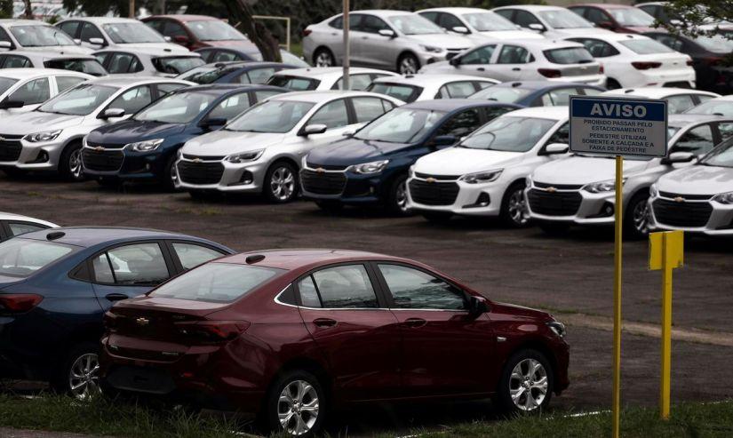 Carros novos estão mais caros do que nunca no Brasil! Entenda os motivos.