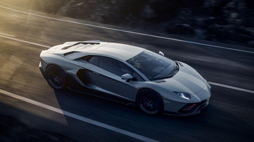 Lamborghini Aventador ganha série final com motor V12 de 780 cv