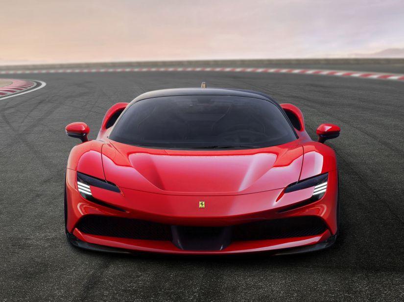 Ferrari SF90 Stradale bate recorde de aceleração