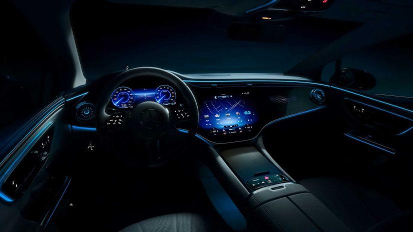 Mercedes-Benz divulga primeira imagem do sedã elétrico EQE