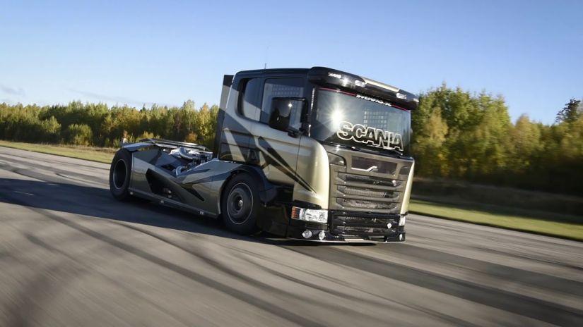 5 caminhões que se tornaram famosos com seus motores potentes