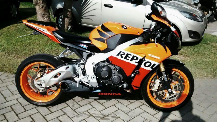 Honda CBR 1000RR | Moto rosa, Motos deportivas, Motos de