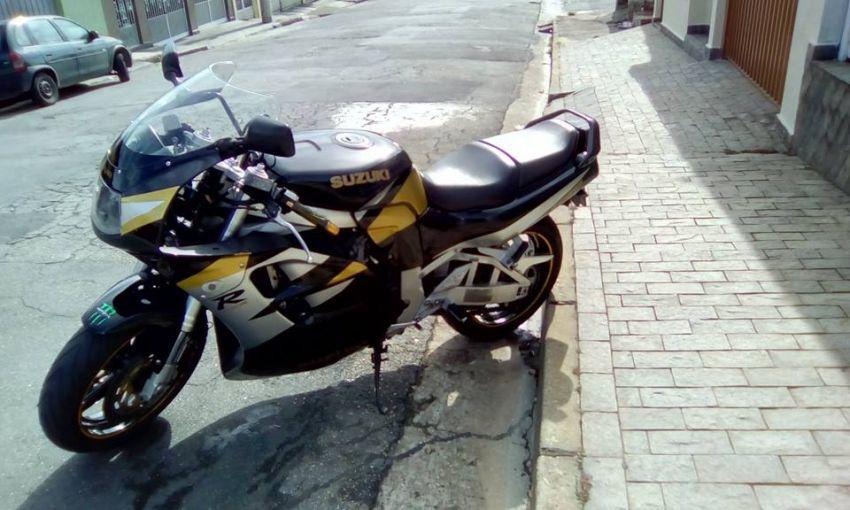 Suzuki GSX R 1100 W - Foto #1