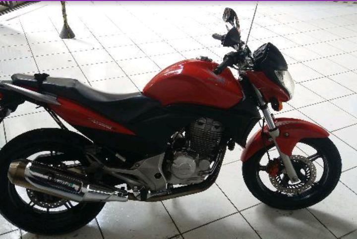 Honda CB 300R (ABS) - Foto #1