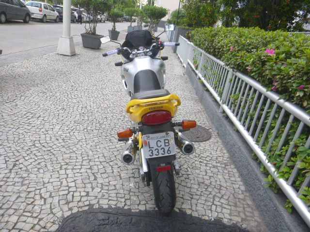 Yamaha TDM 850 - Foto #4