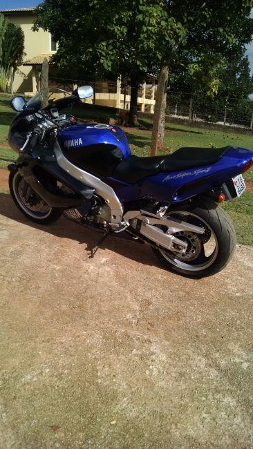 Yamaha YZF 1000 Thunderace - Foto #1