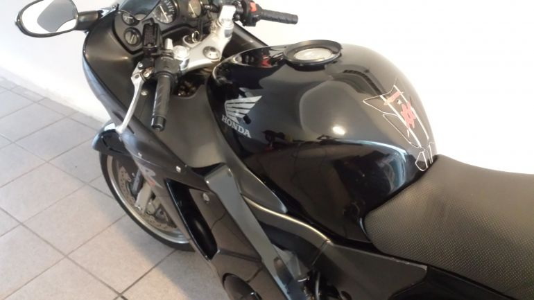 Honda CBR 1100 xx Super Blackbird - Foto #3