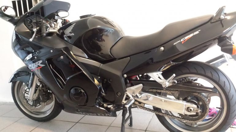 Honda CBR 1100 xx Super Blackbird - Foto #7