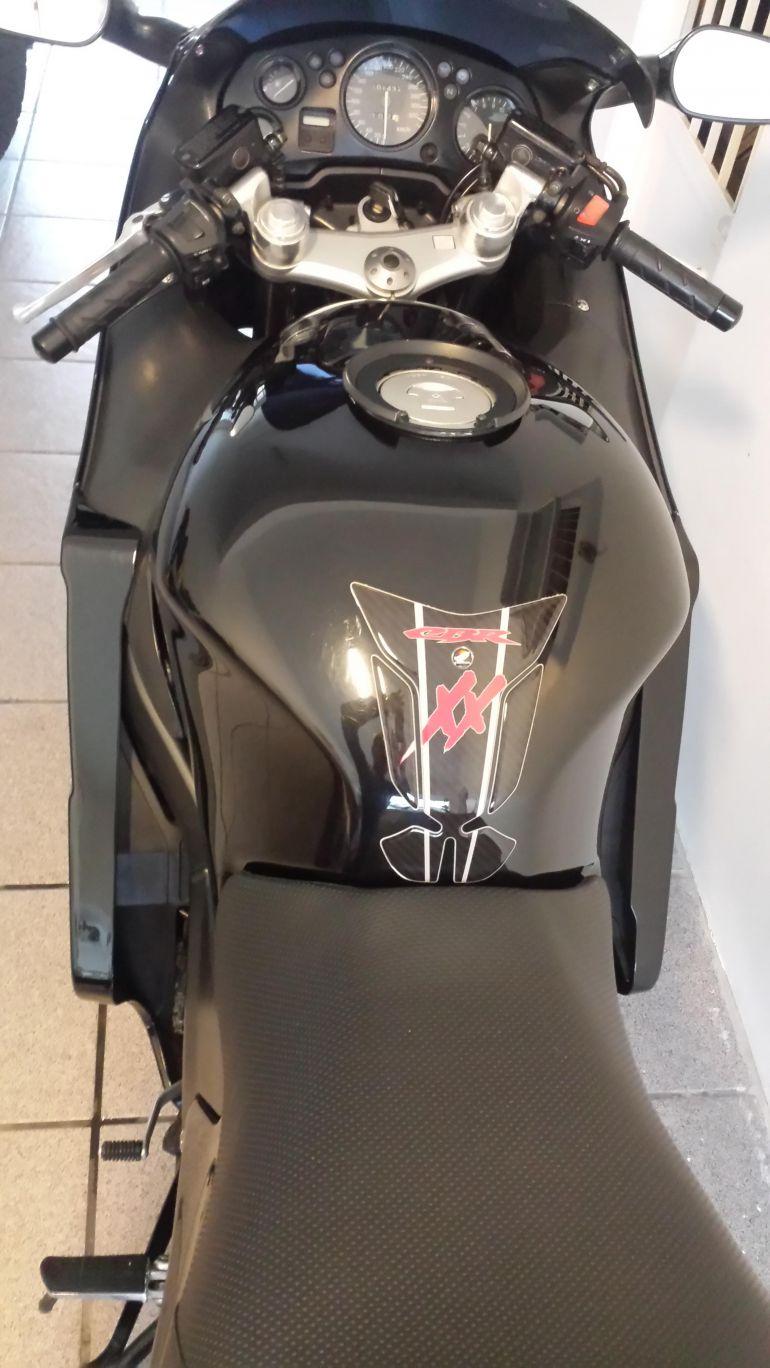 Honda CBR 1100 xx Super Blackbird - Foto #9