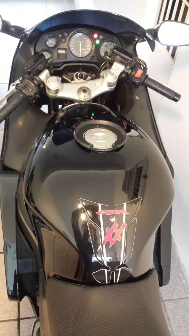 Honda CBR 1100 xx Super Blackbird - Foto #10