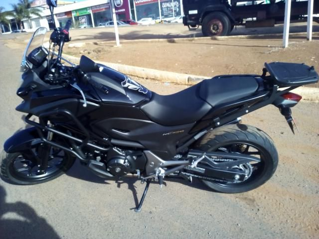 Honda NC 750X (STD) - Foto #1