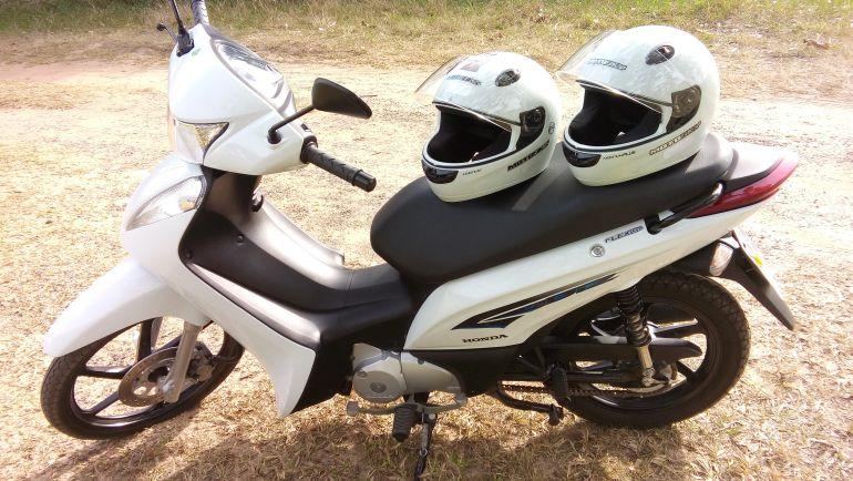 Honda Biz 125 EX - Foto #8