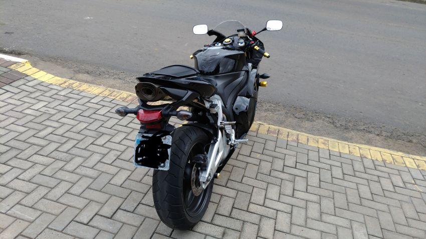 Honda CBR 600 RR - Foto #4