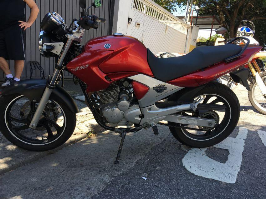 Yamaha Fazer 250 IE (Ltd.Edition) - Foto #1
