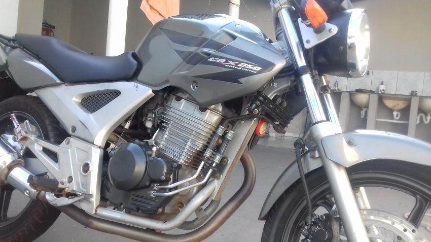 Honda CBX 250 Twister - Foto #1