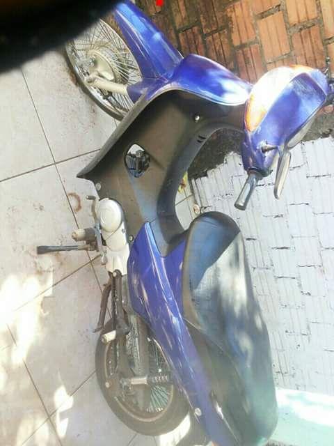 Honda C 100 BIZ - Foto #1