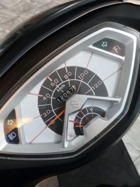 Suzuki Burgman 125i - Foto #1