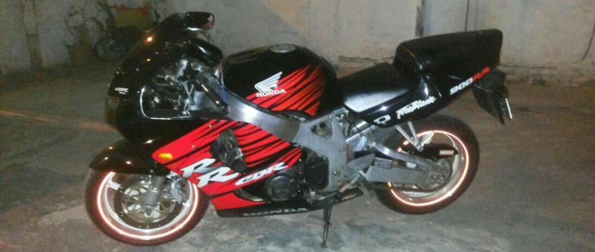 Honda CBR 900 RR Fireblade - Foto #3