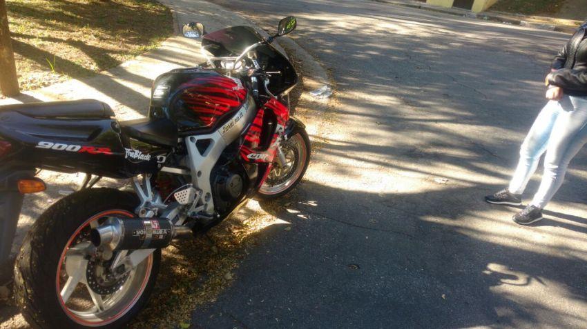 Honda CBR 900 RR Fireblade - Foto #5