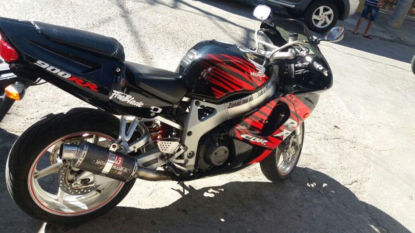 Honda CBR 900 RR Fireblade - Foto #7