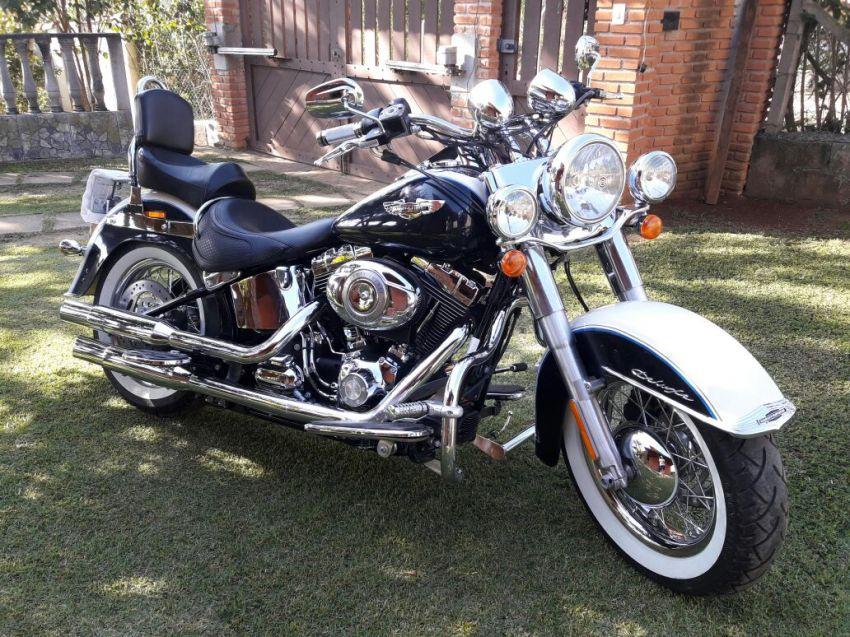 Harley-Davidson Softail De Luxe - Foto #1