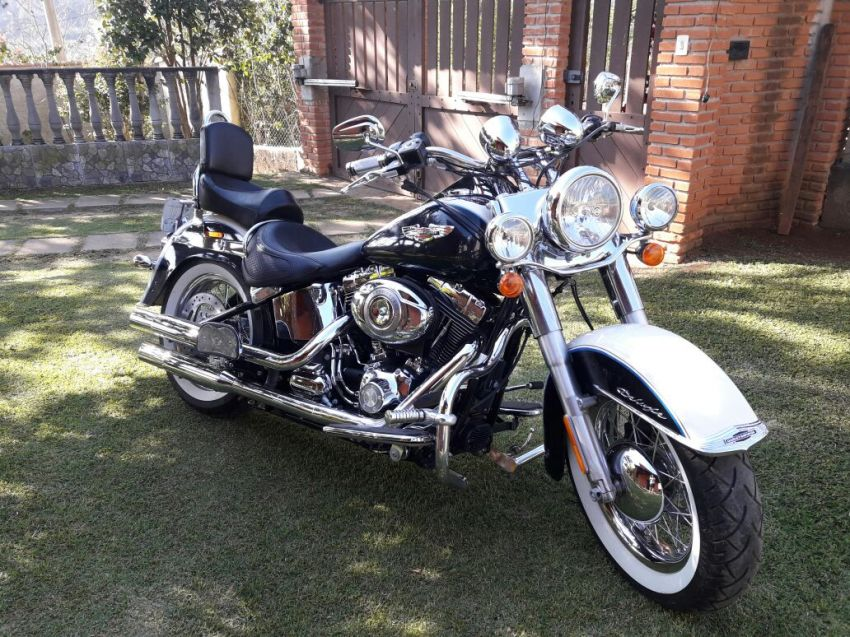 Harley-Davidson Softail De Luxe - Foto #9
