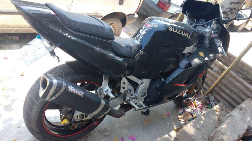 Suzuki GSX R 750 W - Foto #1