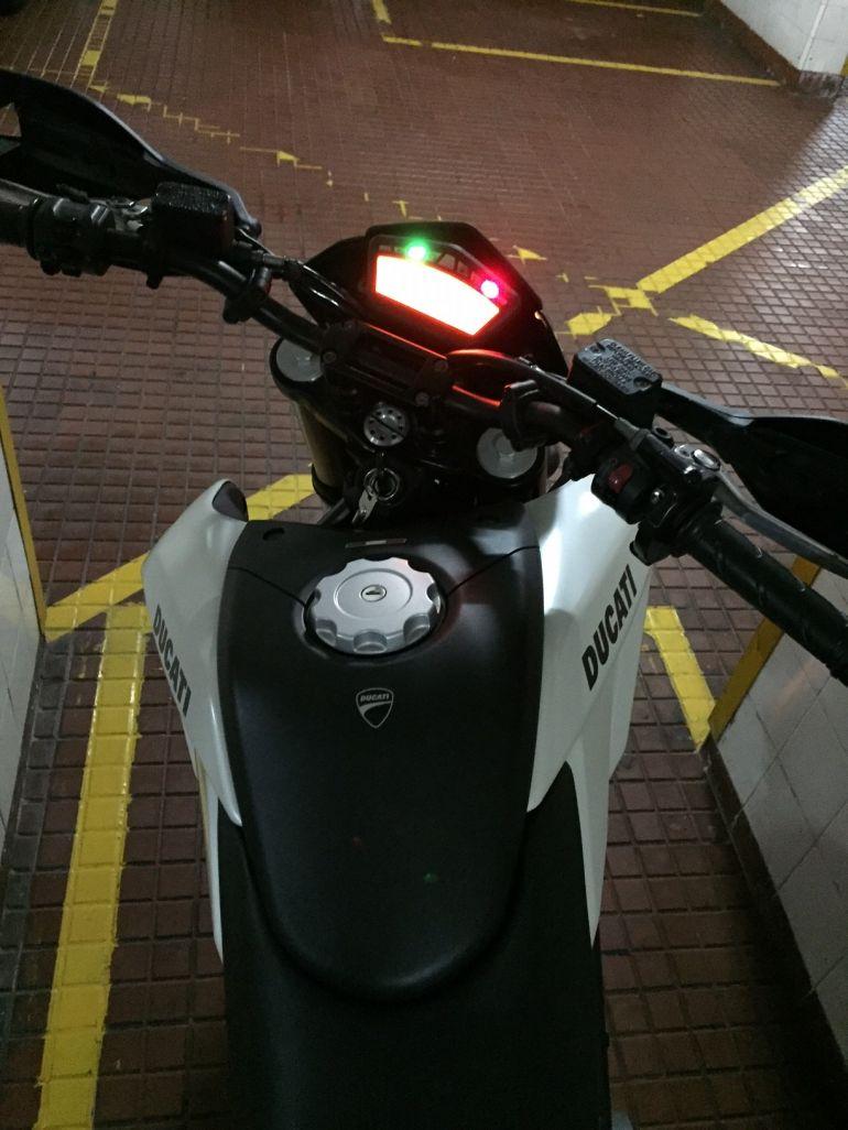 Ducati Hypermotard 796 - Foto #6
