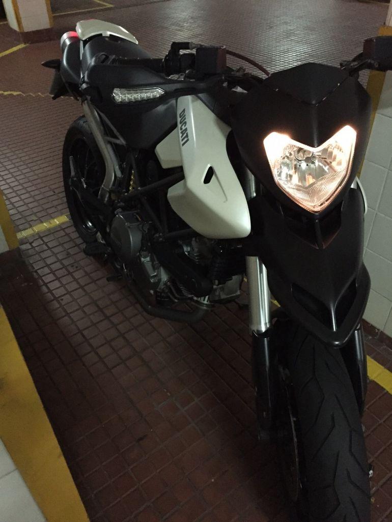 Ducati Hypermotard 796 - Foto #8