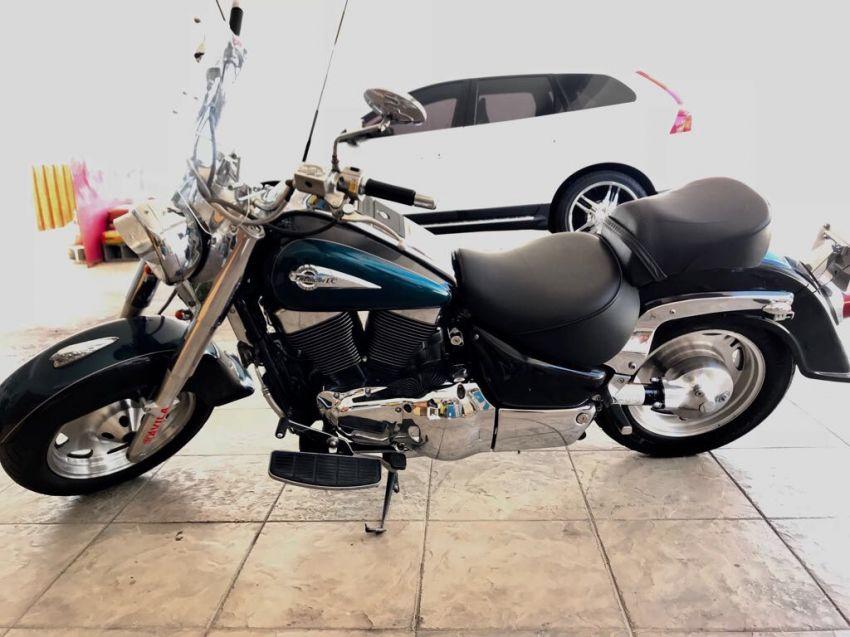 Suzuki Intruder LC 1500 - Foto #1