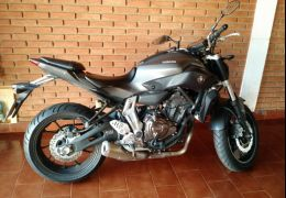 Yamaha MT 07 (STD)