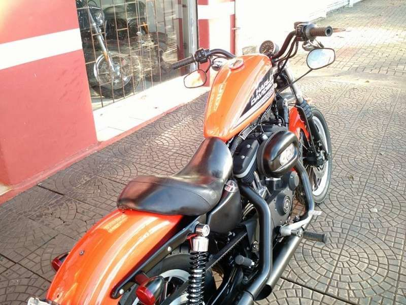 Harley-Davidson Sportster 883 Roadster - Foto #4