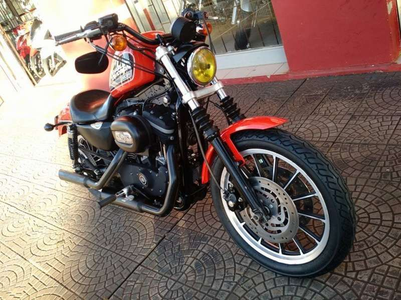 Harley-Davidson Sportster 883 Roadster - Foto #8