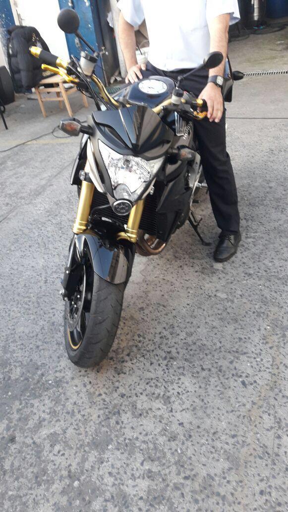 Honda CB 1000R - Foto #1
