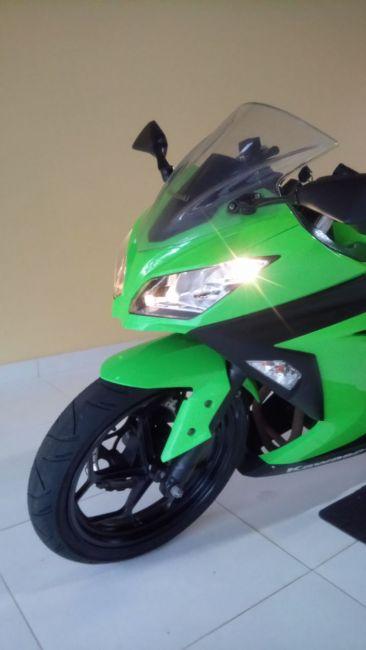 Kawasaki Ninja 300 - Foto #1