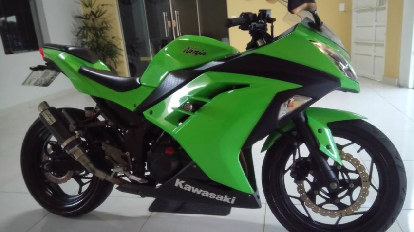 Kawasaki Ninja 300 - Foto #9
