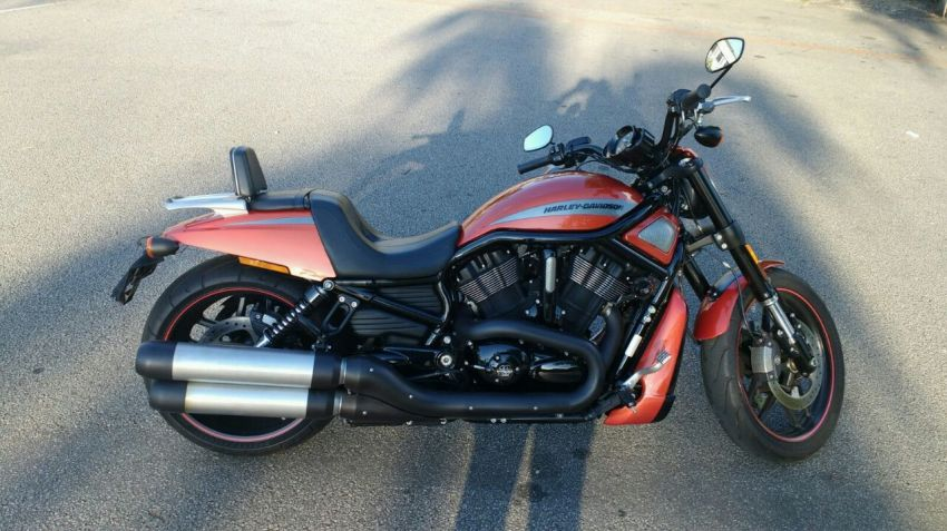 Harley-Davidson V Rod 10th Anniversary Edition - Foto #1